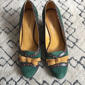 Kenneth Cole Green Wedges